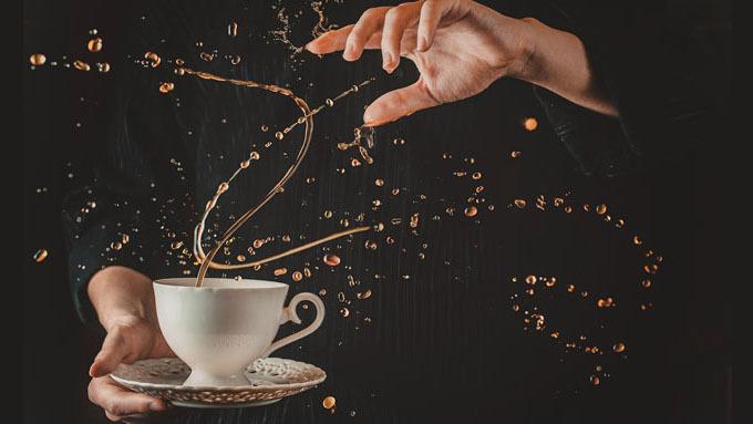 魔法般的咖啡牛奶圓舞曲,高速攝影捕捉飲品飛濺瞬間之美 | DIGIPHOTO-用鏡頭享受生命