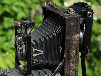 百年 ICA 蛇腹相機 DIY 改造,結合 Sony NEX 變身 數位機背