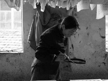繁榮經濟下的螺絲釘, 中國 紡織廠工 紀實攝影