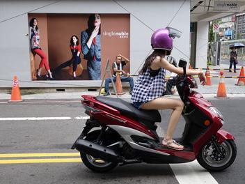 張國耀談街拍:不只黑白高對比,街頭攝影必須具備更宏觀的視野