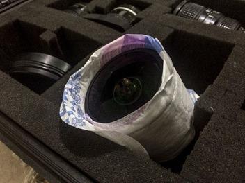 衛生棉也可以這樣用?你想像不到的鏡頭防潮妙招!