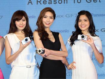 Panasonic GF7在台盛大登場!不用手持也能完美自拍