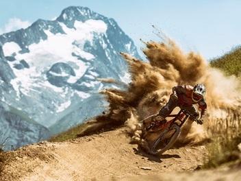 世界最強運動攝影大賽 Red Bull Illume 展現運動尖峰時刻