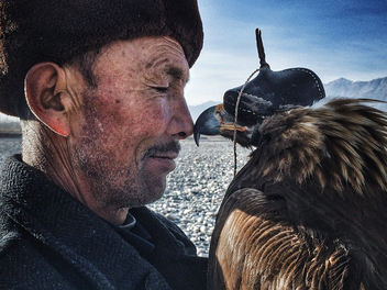 2016 iPhone 攝影獎出爐,中國攝影師「人與鷹」拿下首獎