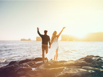 拋棄對傳統婚禮的憧憬幻想,我們在壯麗夢幻的冰島結婚了!