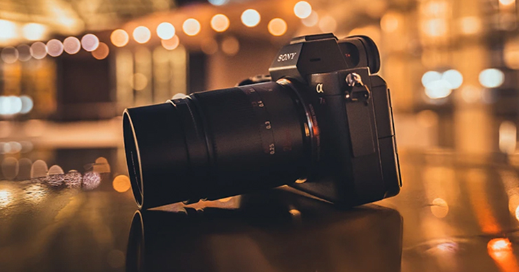 APS-C片幅限定,7Artisans 25mm F0.95預計月底上市